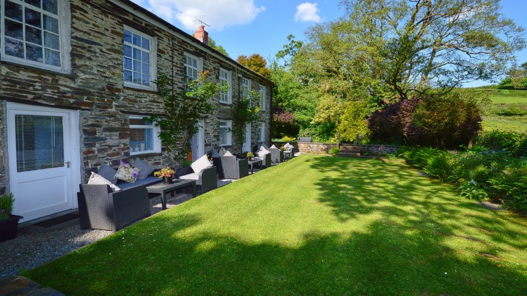 Dolgoch Mill Cottages Shared Gardens